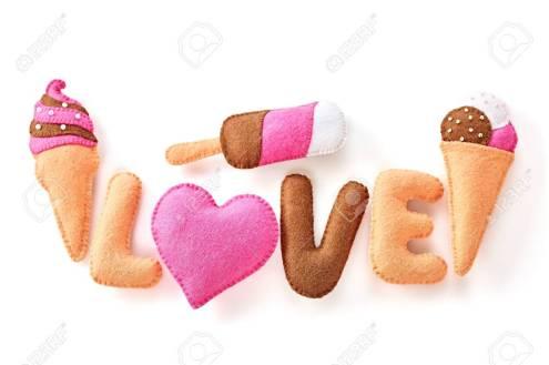 35244113-fondo-del-día-de-san-valentín-palabra-amor-corazón-helado-pareja-hecho-a-mano-concepto-del-amor-en-el-fondo.jpg